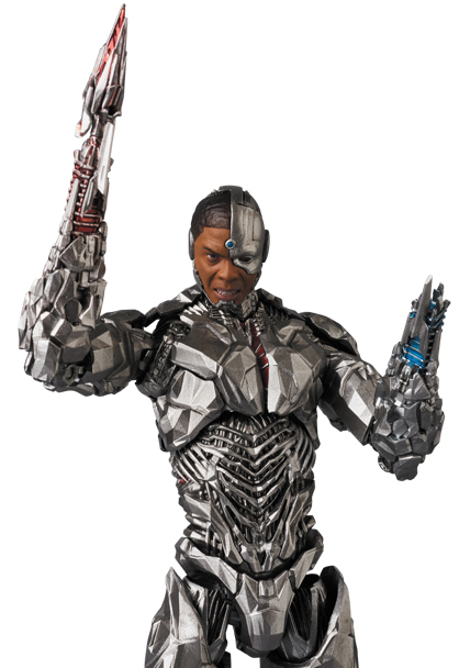 MAFEX-Justice-League-Cyborg-002