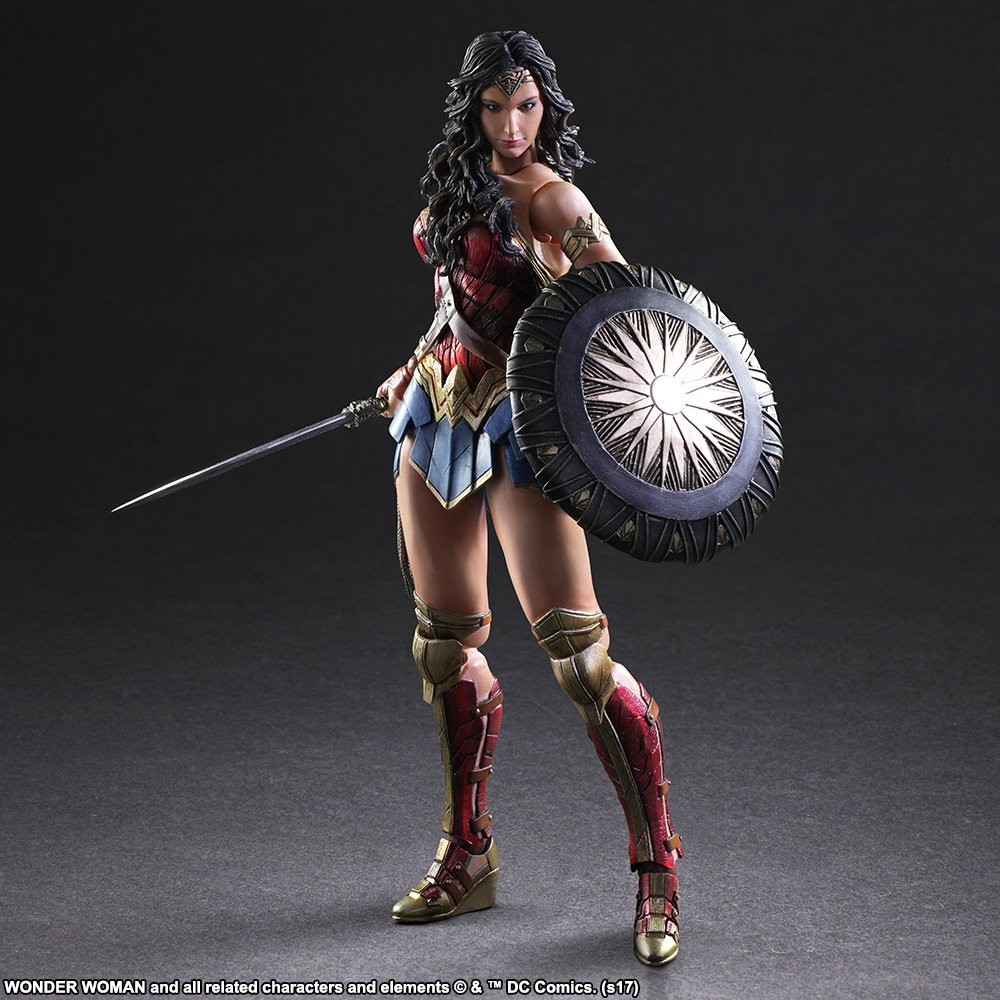 Wonder-Woman-Play-Arts-Kai-003