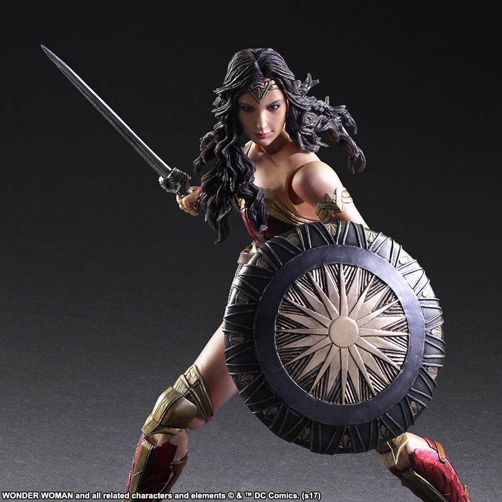 Wonder-Woman-Play-Arts-Kai-006