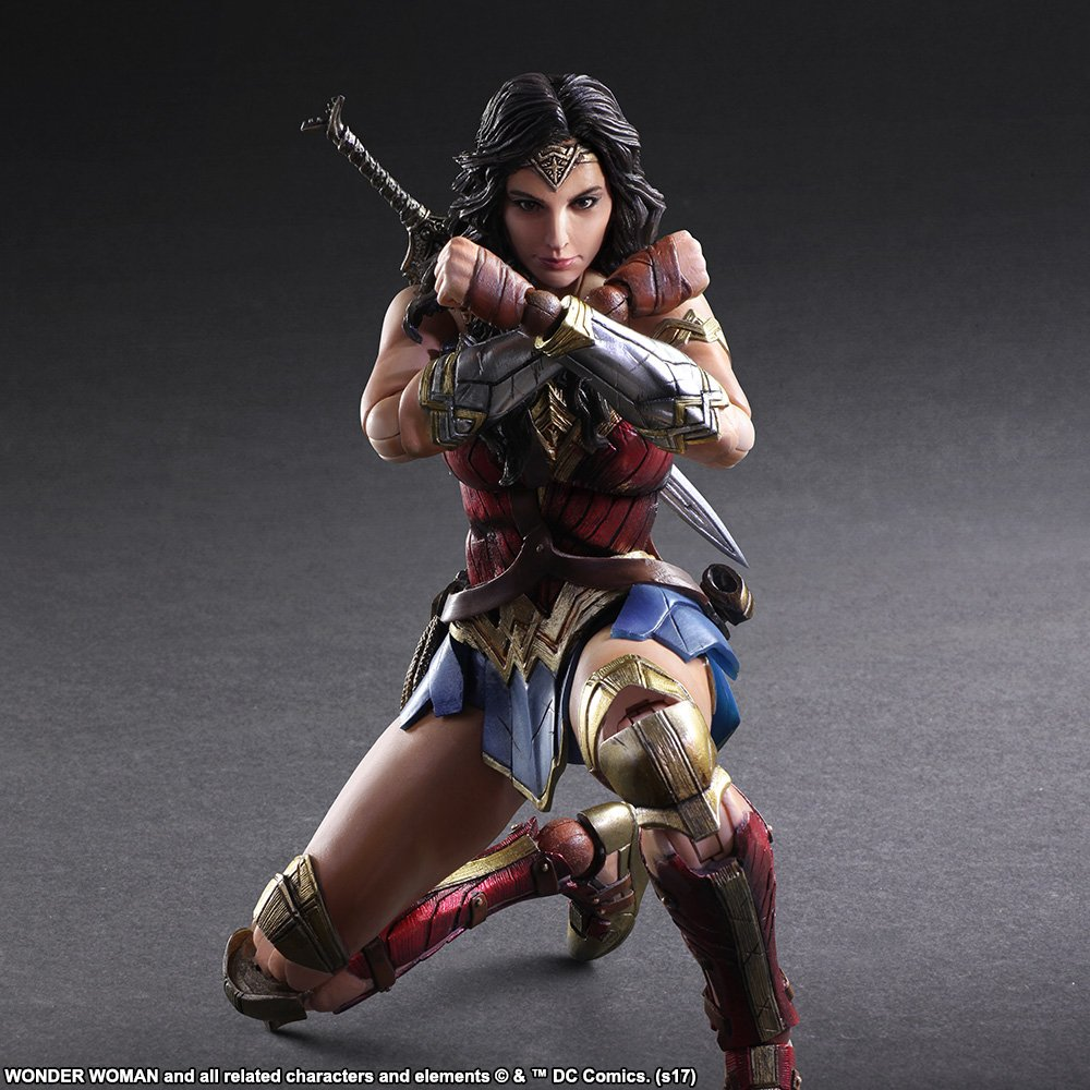 Wonder-Woman-Play-Arts-Kai-007