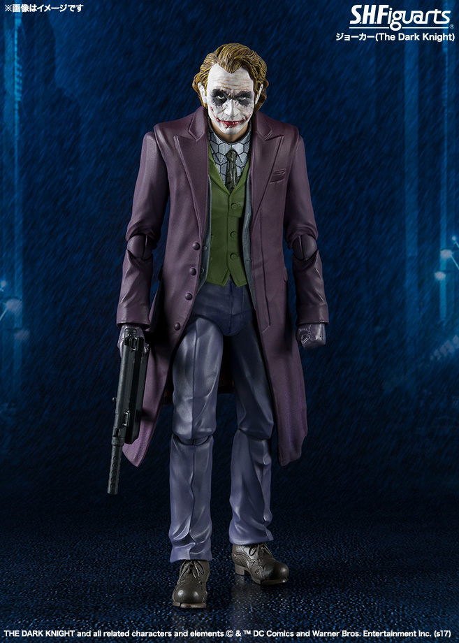batman-the-dark-knight-joker-sh-figuarts-action-figure-1