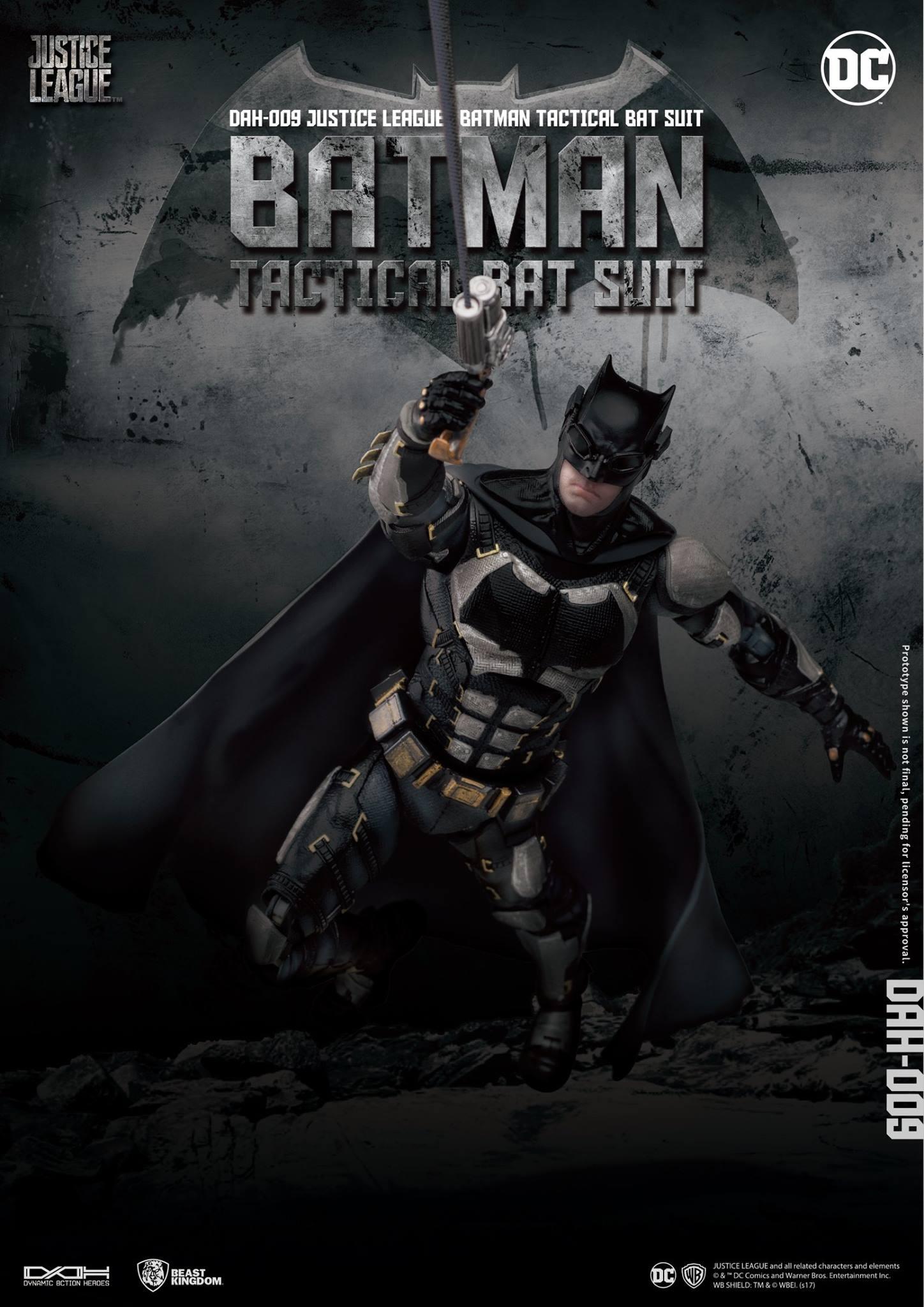DAH-Justice-League-Tactical-Suit-Batman-002