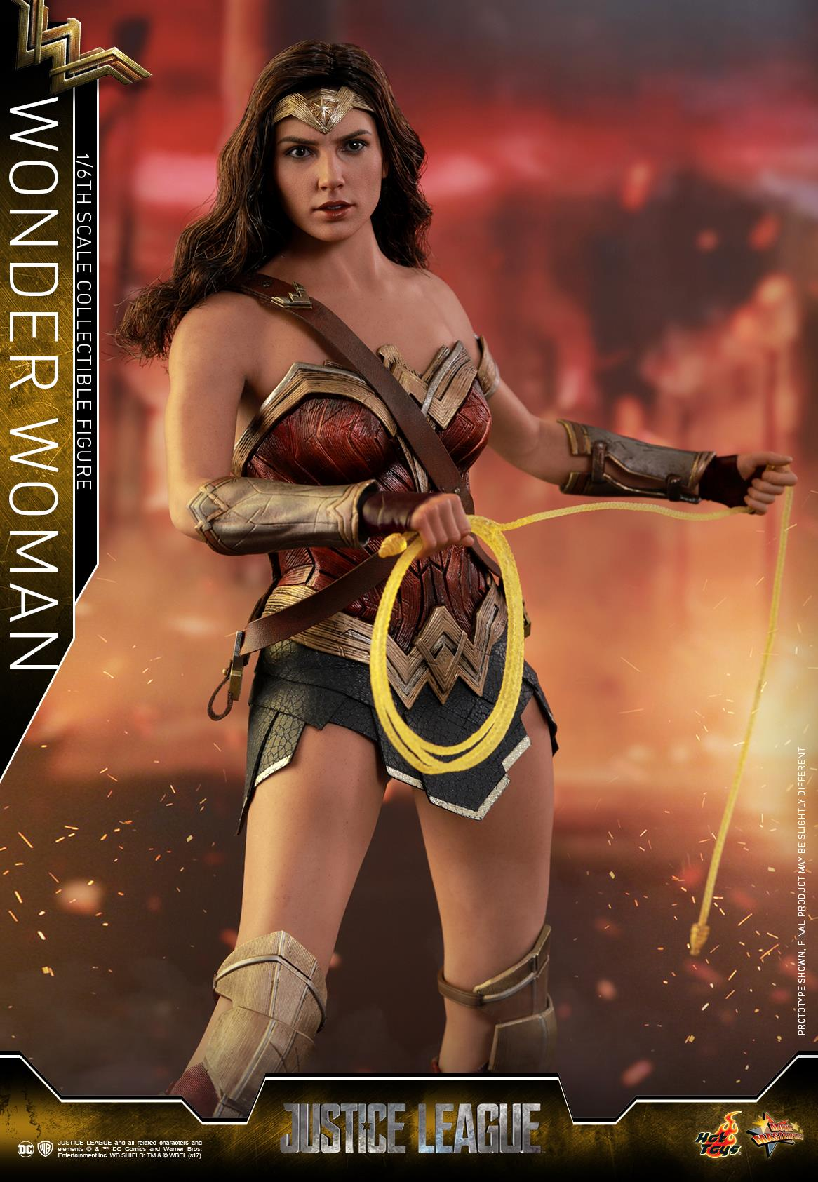 Hot-Toys-JL-Wonder-Woman-001