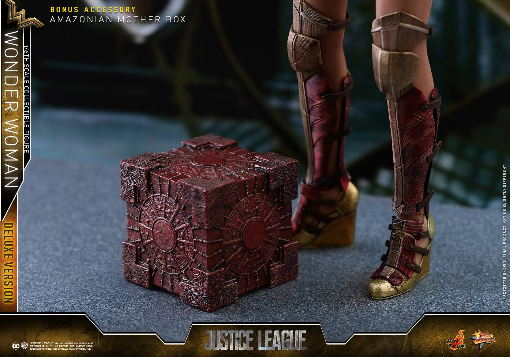 Hot-Toys-JL-Wonder-Woman-Deluxe-016