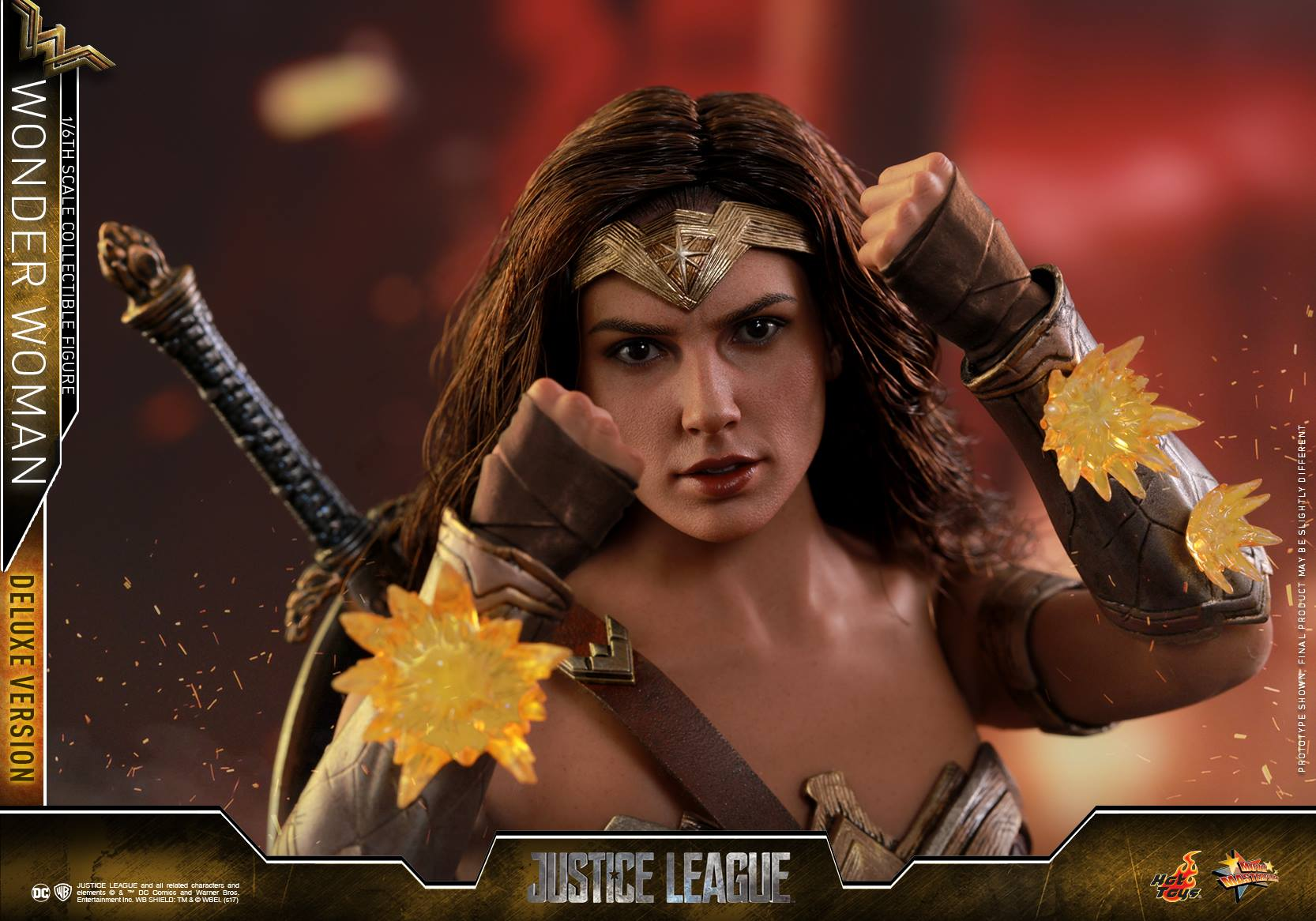 Hot-Toys-JL-Wonder-Woman-Deluxe-023