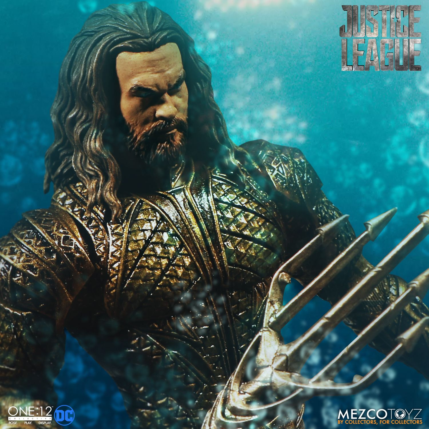 Mezco-JL-One12-Aquaman-Figure-006