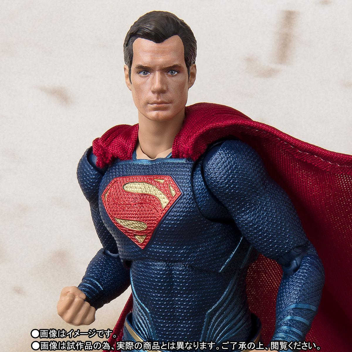 SH-Figuarts-JL-Superman-002