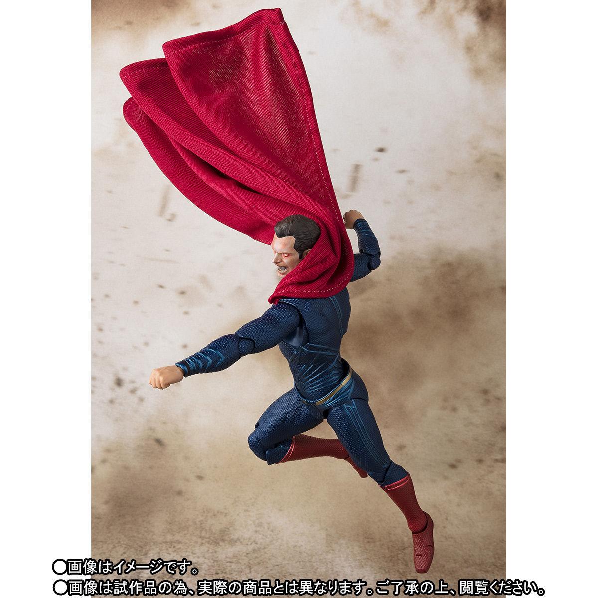 SH-Figuarts-JL-Superman-008