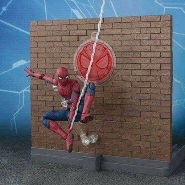 Spider-Man-Homecoming-SH-Figuarts-Wall-1