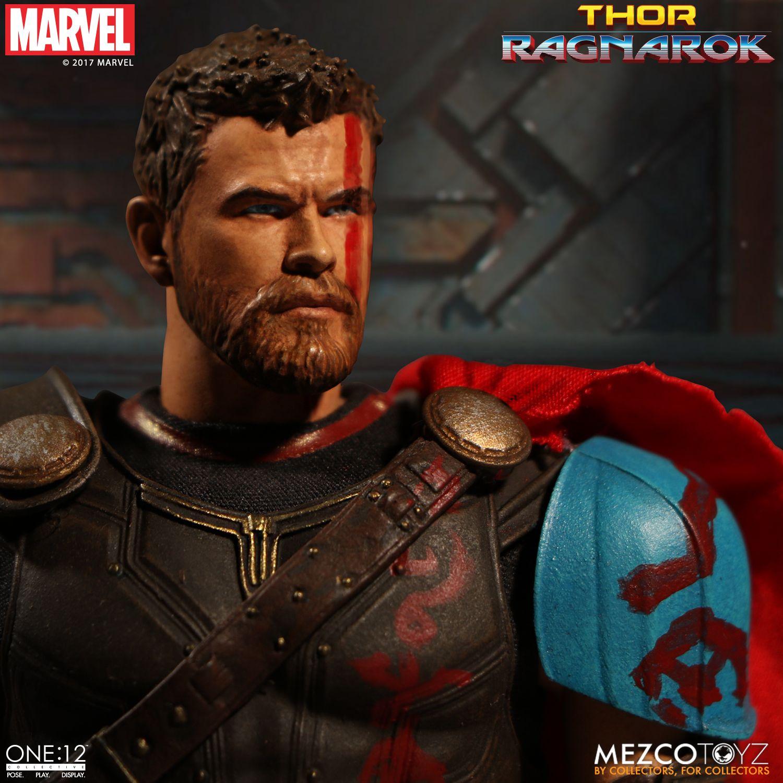 Thor-Ragnarok-Gladiator-Thor-Mezco-003