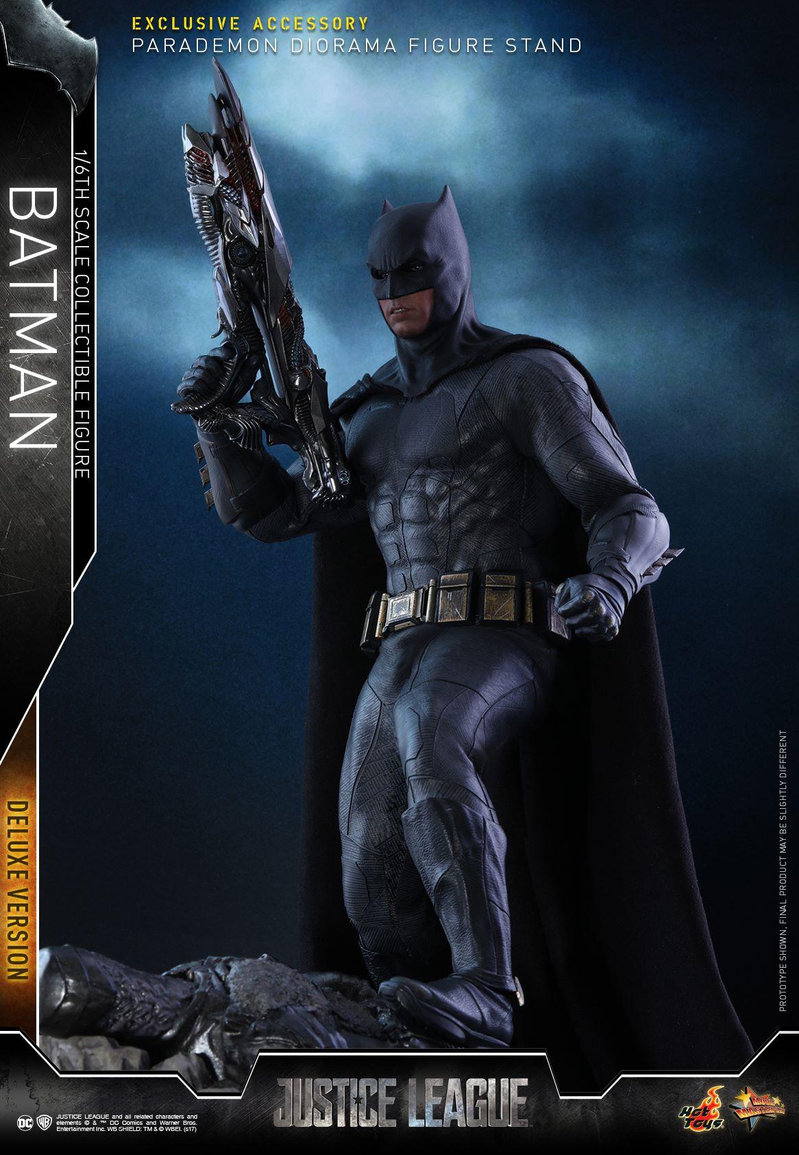 Hot-Toys-Deluxe-Batman-Justice-League-002