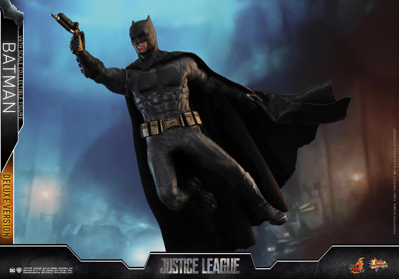 Hot-Toys-Deluxe-Batman-Justice-League-003