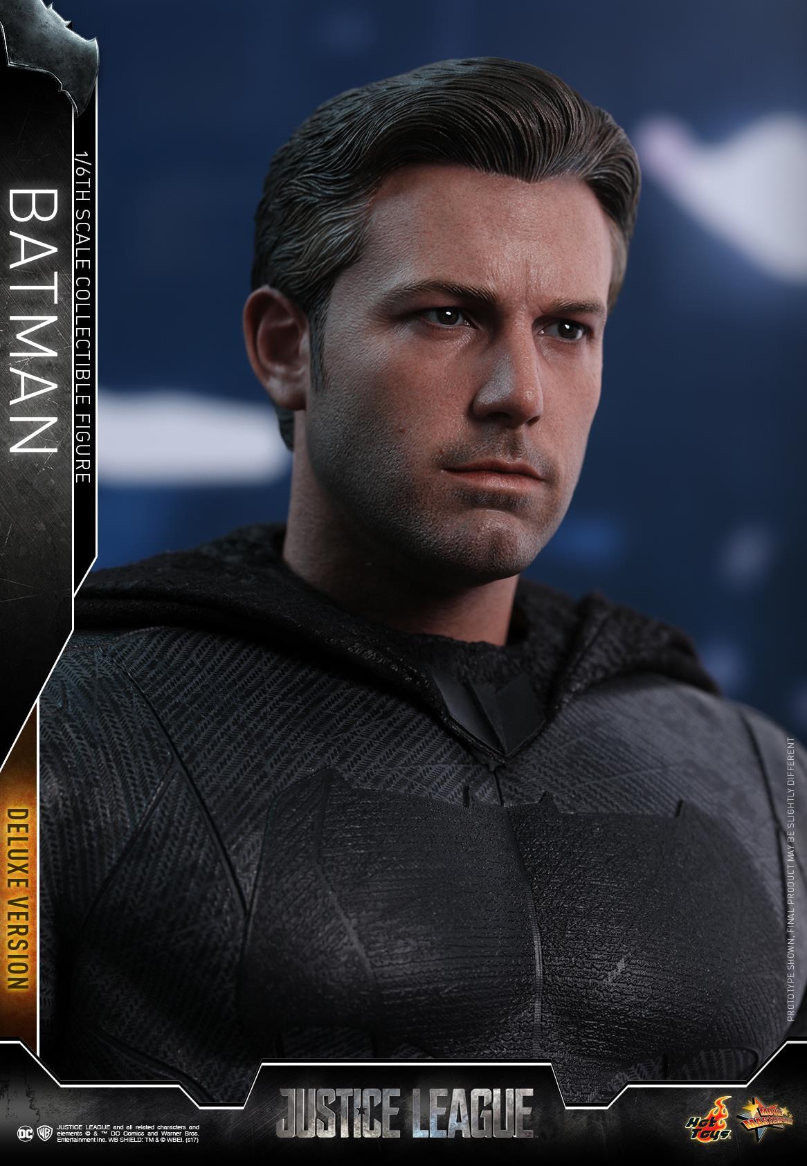Hot-Toys-Deluxe-Batman-Justice-League-004
