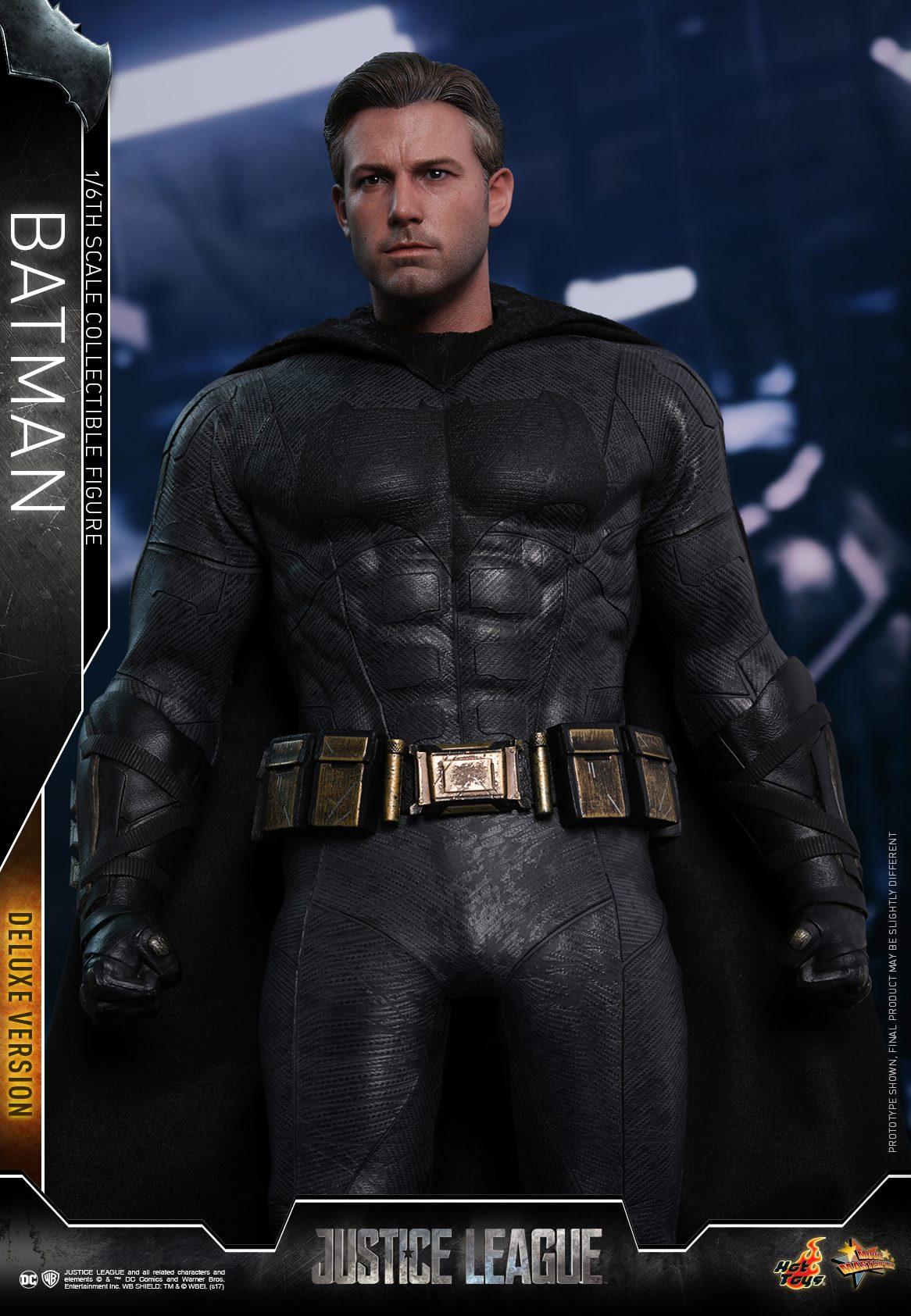Hot-Toys-Deluxe-Batman-Justice-League-005