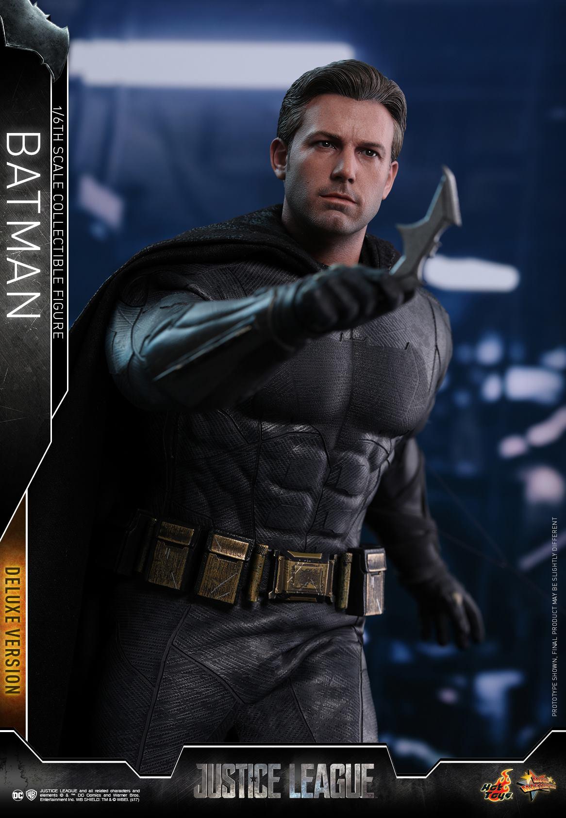Hot-Toys-Deluxe-Batman-Justice-League-007