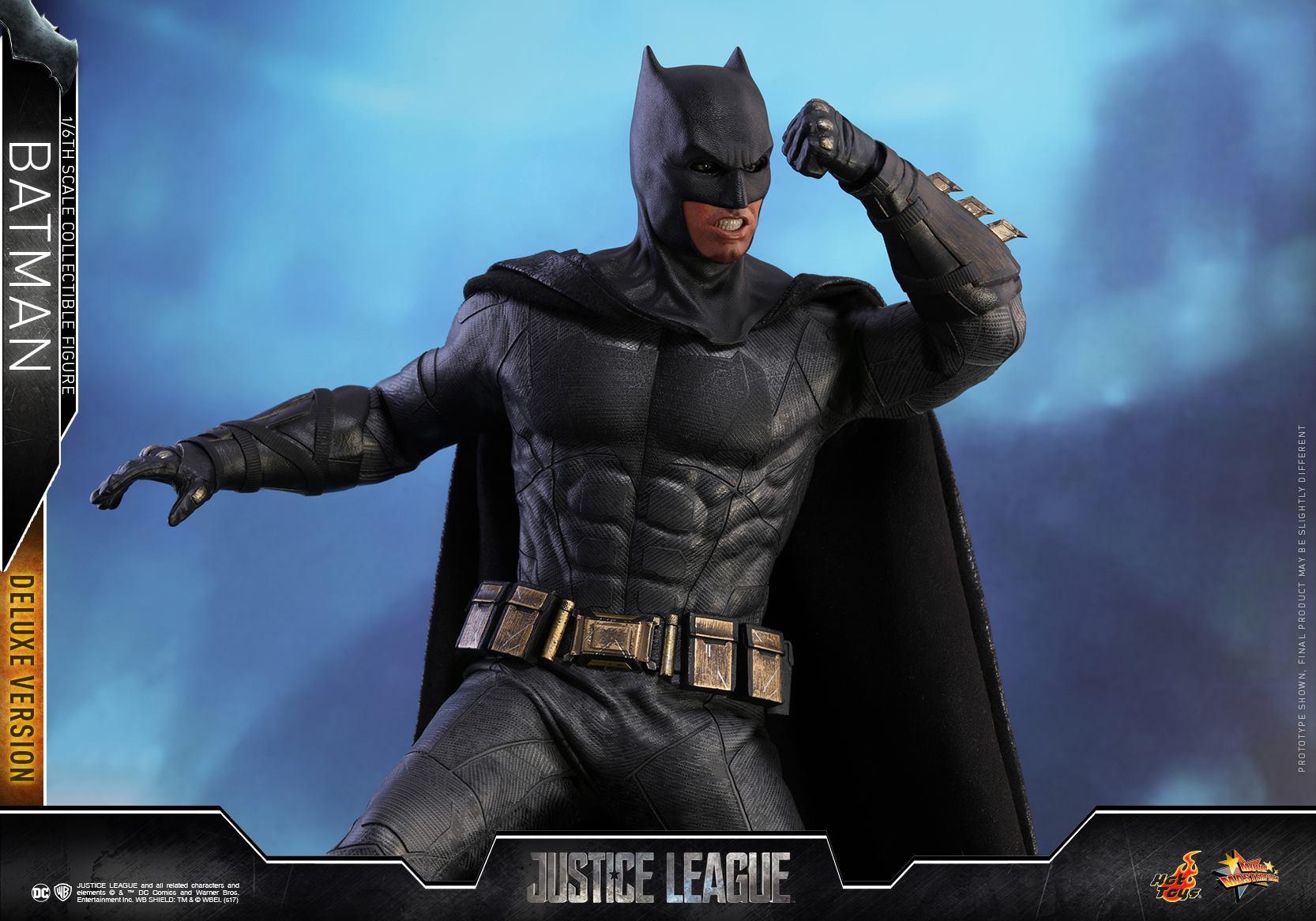 Hot-Toys-Deluxe-Batman-Justice-League-009