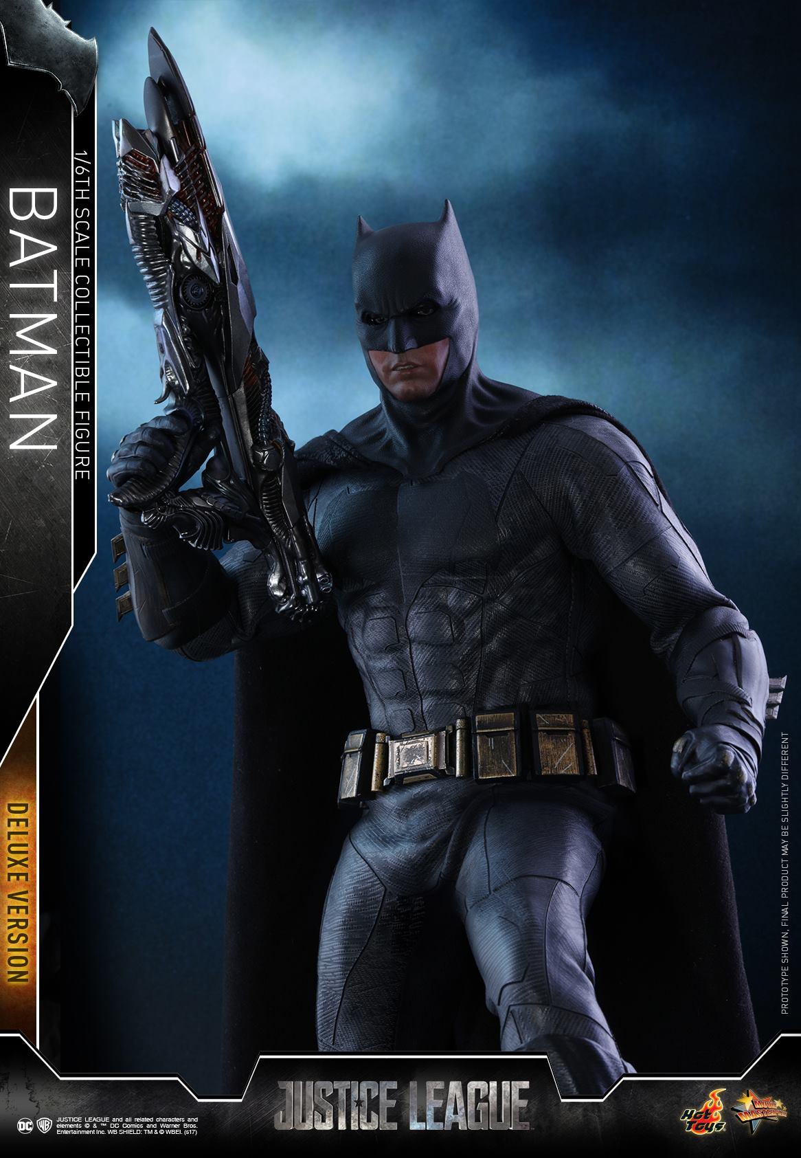 Hot-Toys-Deluxe-Batman-Justice-League-010