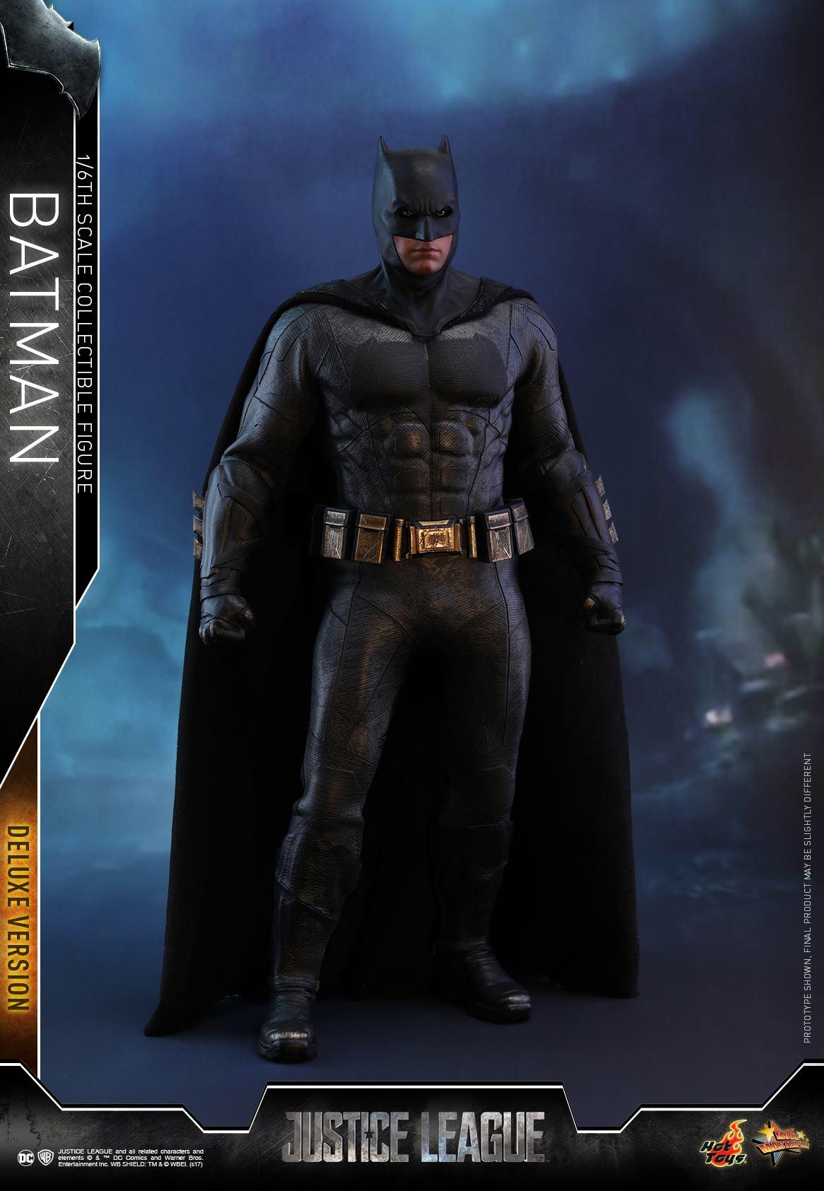 Hot-Toys-Deluxe-Batman-Justice-League-011