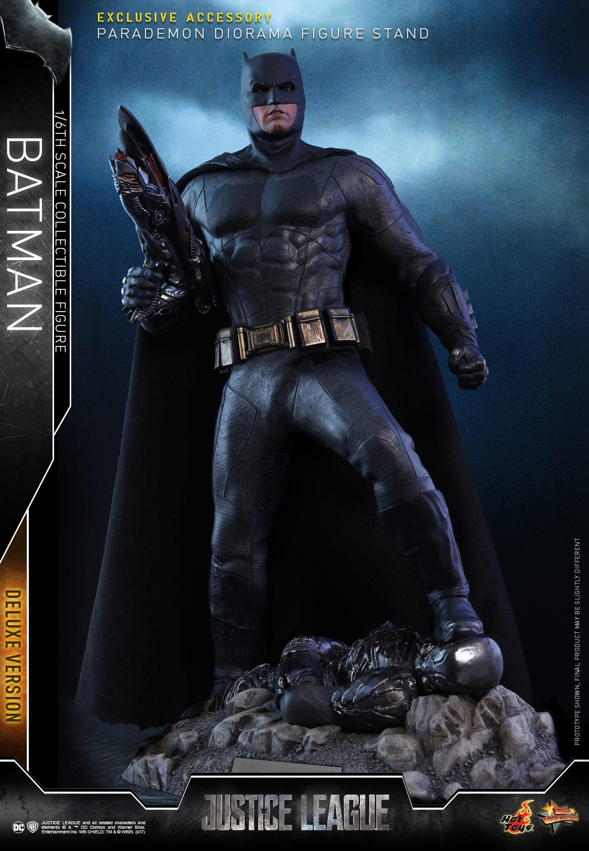 Hot-Toys-Deluxe-Batman-Justice-League-012