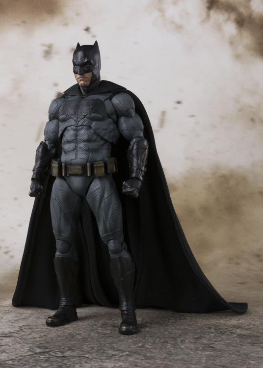 justice-league-movie-batman-sh-figuarts-action-figure-1