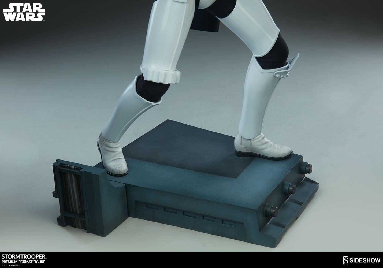 star-wars-stromtrooper-premium-format-figure-sideshow-300526-20