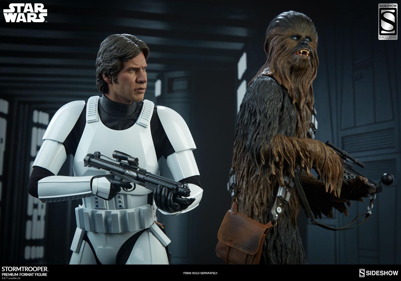 star-wars-stormtrooper-premium-format-figure-sideshow-3005261-04