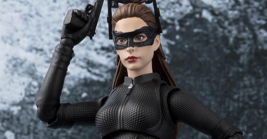 SH-Figuarts-Catwoman-figure