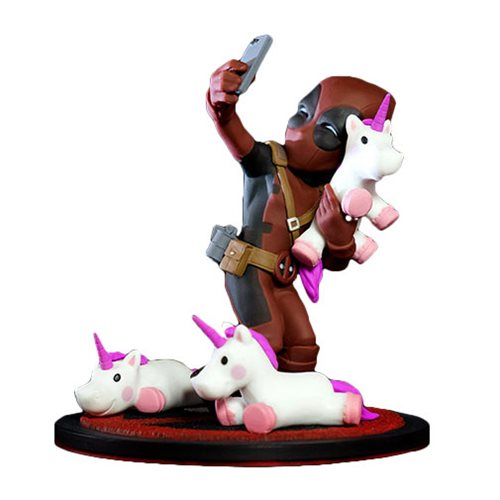 Deadpool-Q-Fig-Selfie-Unicorn