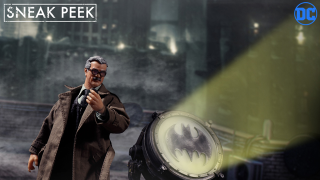 mezco-one-12-commissioner-gordon-figure-preview