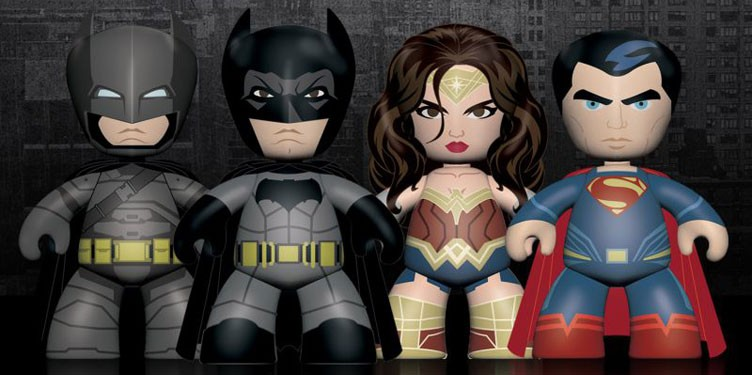 batman-vs-superman-mezco-toyz-mez-itz-vinyl-figures