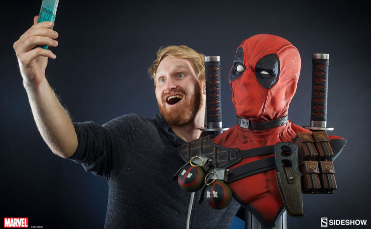 deadpool-lifesize-bust-sideshow