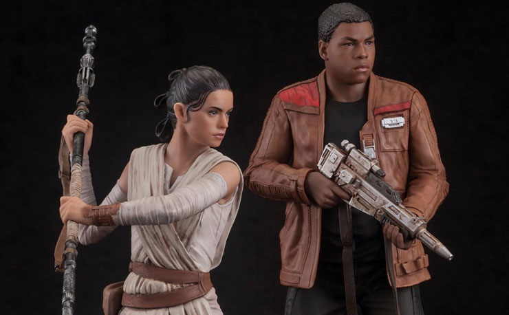 kotobukiya-star-wars-rey-and-finn-statue