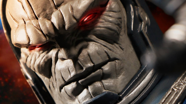 darkseid-mezco-one-12-collecgtive-figure-teaser