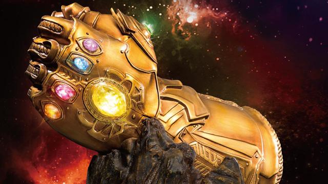 thanos-infinity-gauntlet-statue