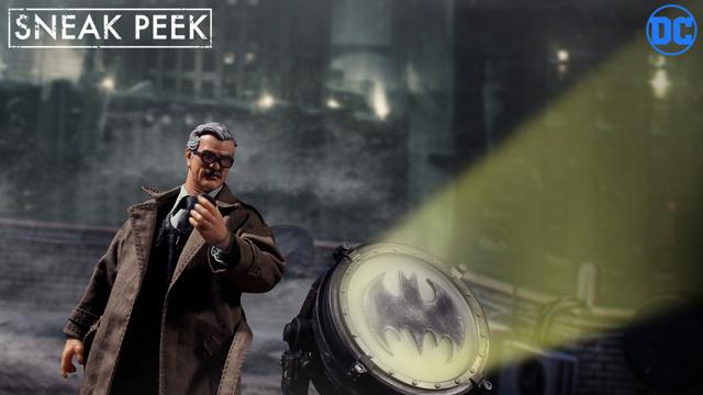 mezco-one-12-commissioner-gordon-figure-preview