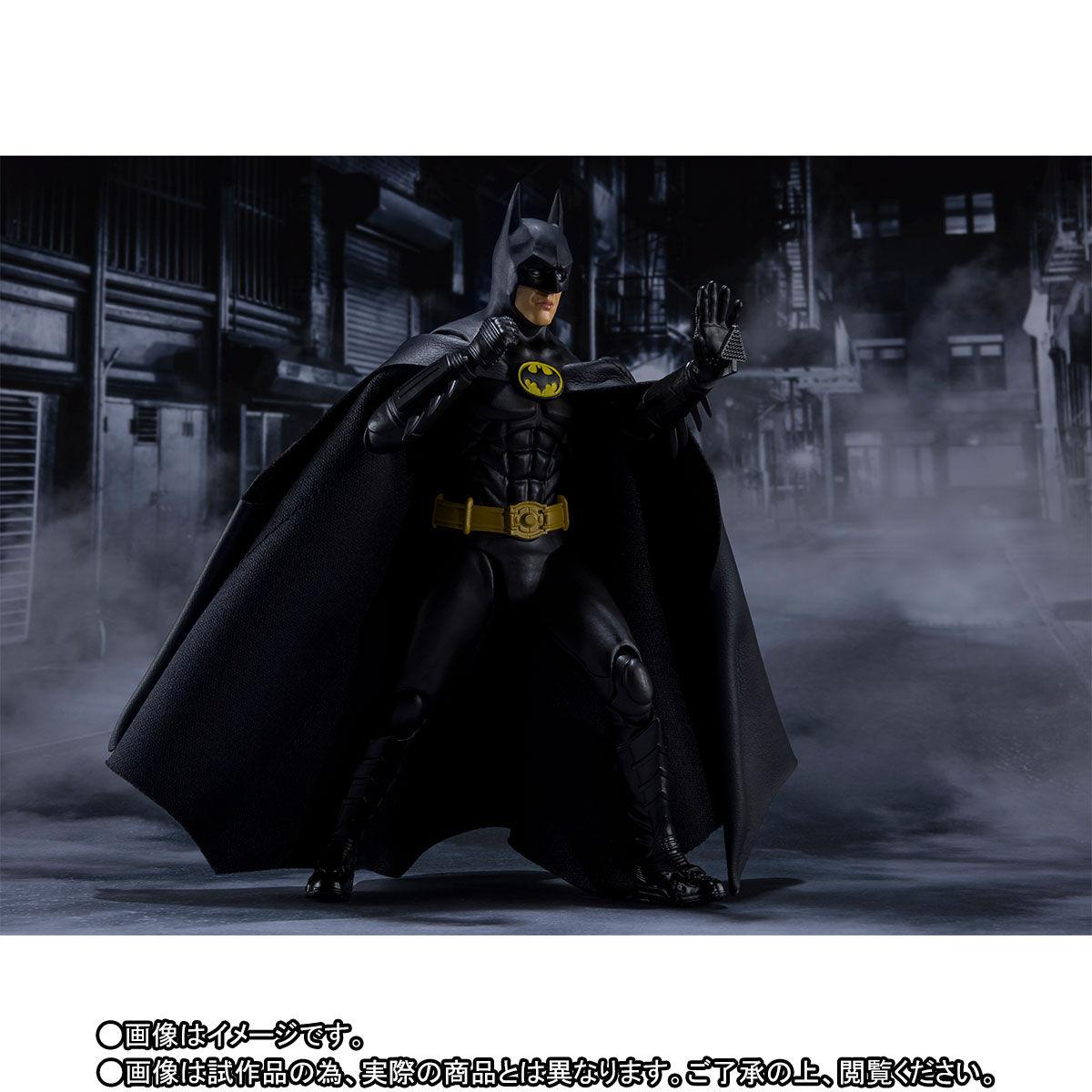 SH-Figuarts-1989-Batman-004