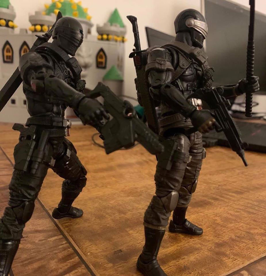 gi-joe-classified-snake-eyes-regular-retail-and-exclusive-figures-comparison-2