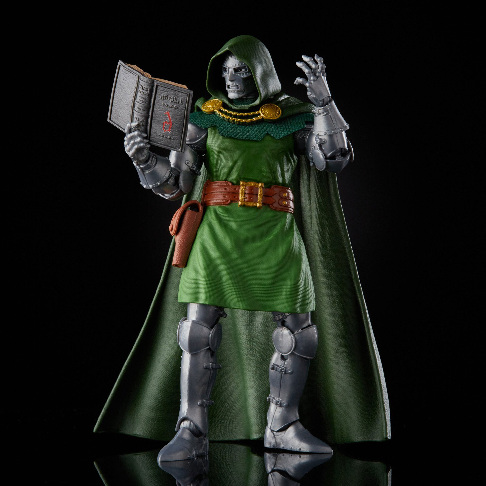 marvel-legends-doctor-doom-retro-action-figure-2