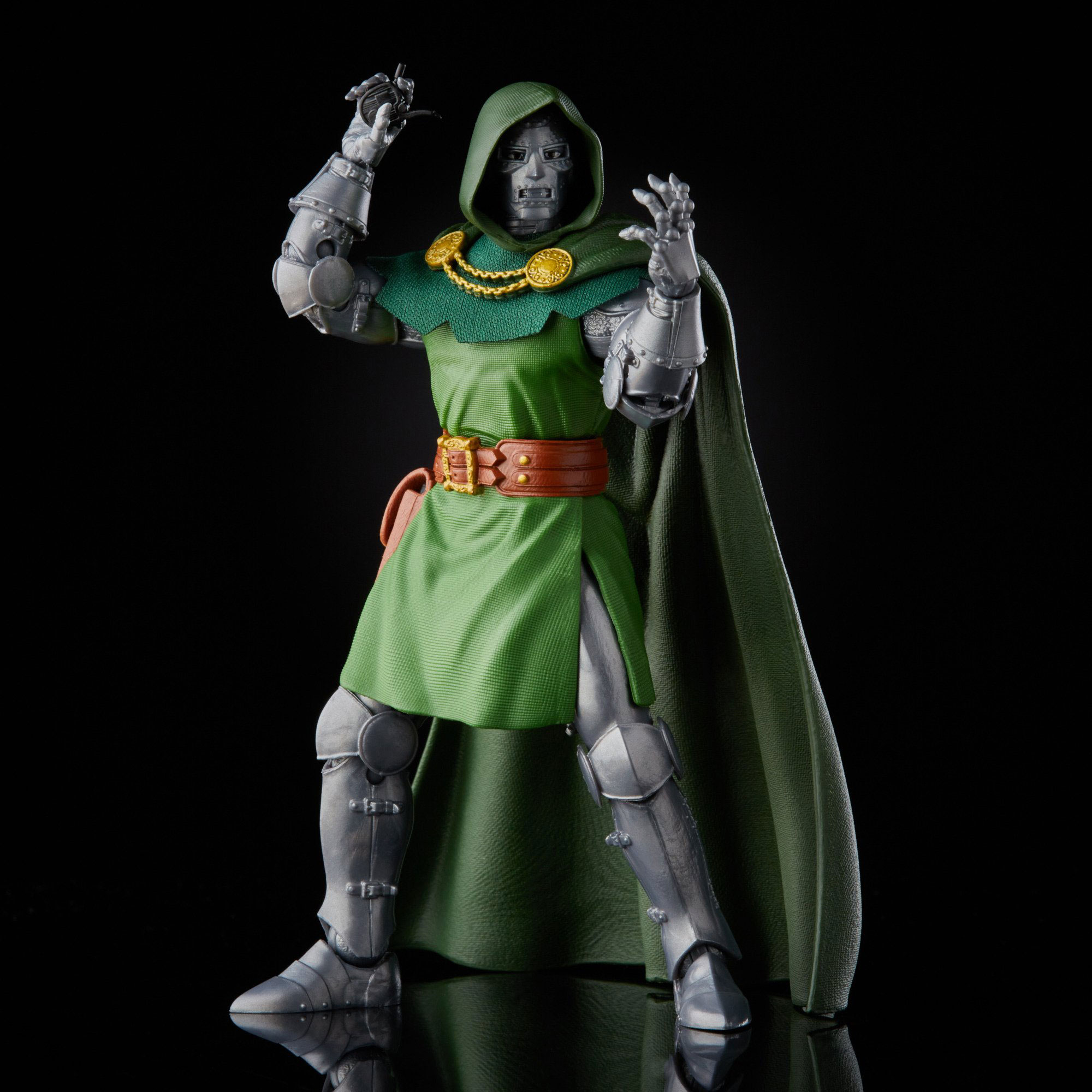 marvel-legends-doctor-doom-retro-action-figure-4