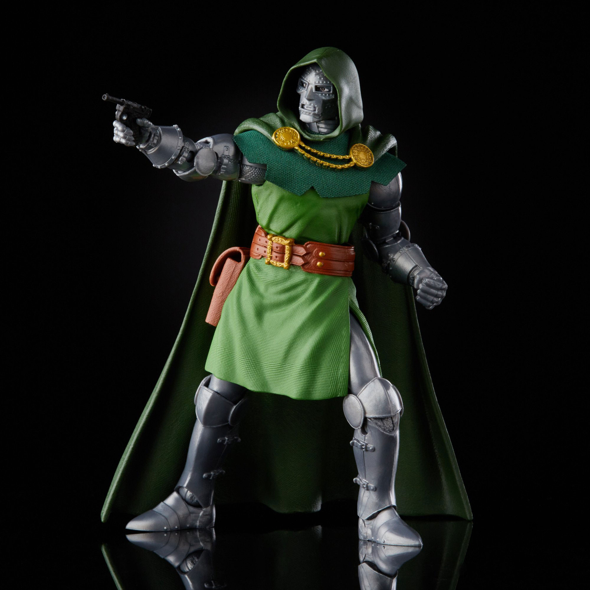 marvel-legends-doctor-doom-retro-action-figure-5