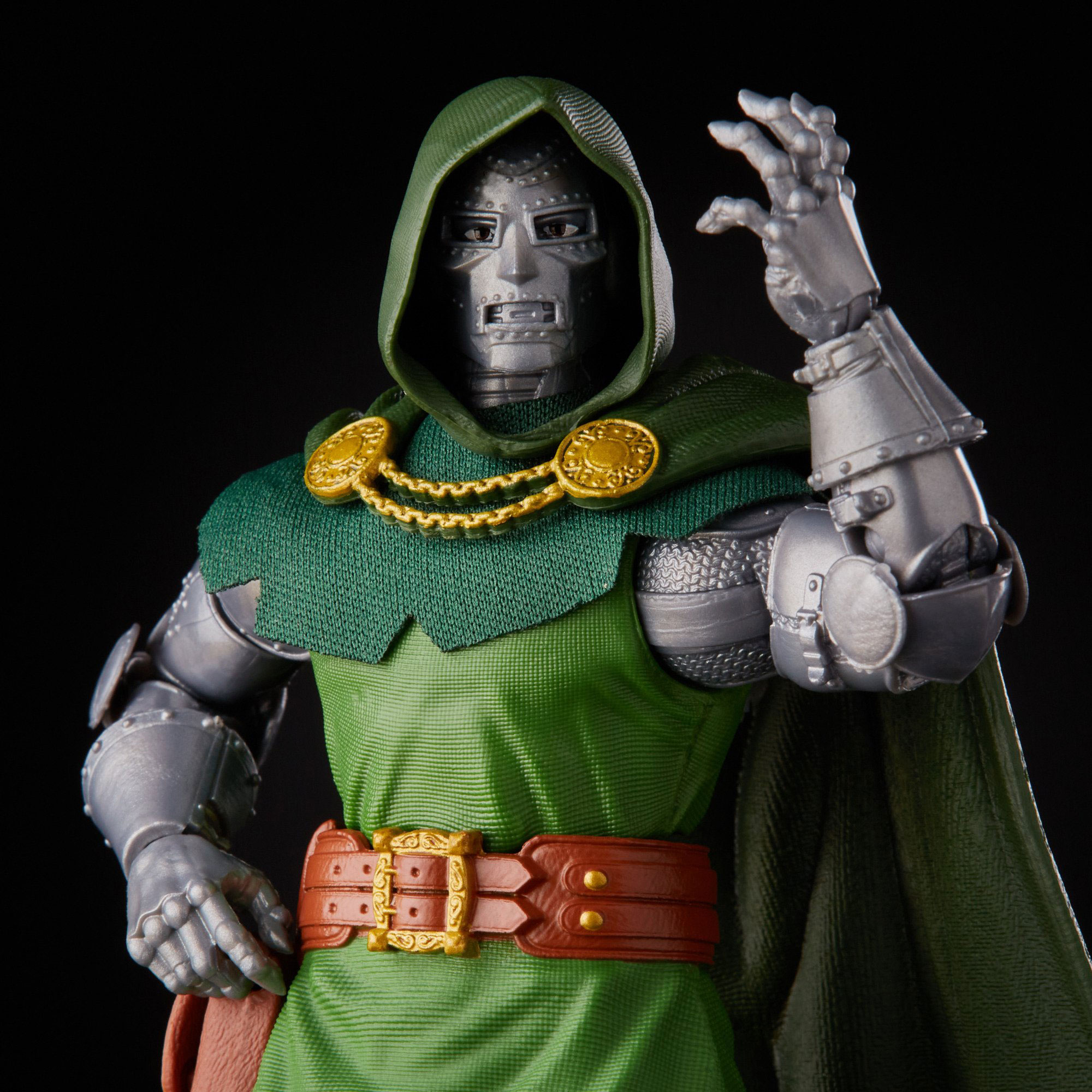 marvel-legends-doctor-doom-retro-action-figure-6