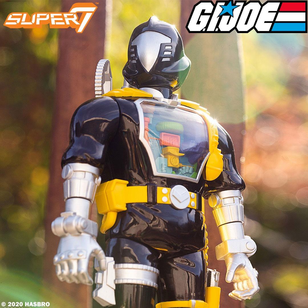 gi-joe-super-cyborg-bat-figure-super7-2
